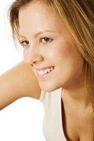 Hva er årsakene til ømme bryster og hevelse?