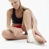 Hvordan få Glass ut av bunnen av foten
