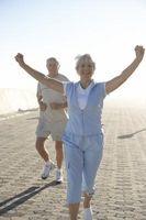 Hva øvelser som kan gjøres for å styrke Walking for en Senior Citizen?