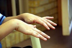 Typer og årsaker til Hånd Tremors