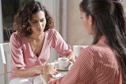 Hvordan Drikk te å redusere depresjon