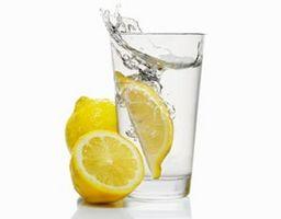 Hvordan dra nytte av Lemon Water