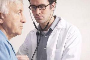 Hva er risiko for forstørret hjerte ventriklene?
