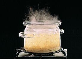 Hvordan koke ris skikkelig for å hindre matforgiftning