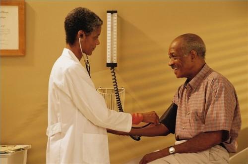 Hvordan å behandle lavt blodtrykk med alternative løsninger