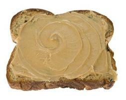 Hva er farene ved å spise Utdatert Peanut Butter?