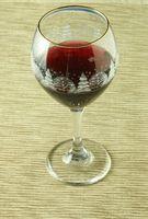 Hvordan å miste vekt ved å drikke rødvin