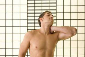 Hva er behandlingen for en dehydrert disk i nakken?