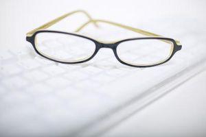 Slik reparerer riper på Plastic Glasses