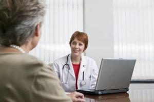 Tegn og symptomer på eggstokkreft og livmor Fibroids