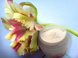 Hva er fordelene med vitamin E i flytende form for hud?