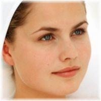 Hvordan lage Herbal Facial Toner