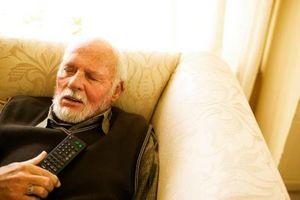Hvordan å bryte gjennom et Rut av å være en sofagris