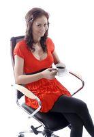 Hvordan Slapp av ryggen i en stol