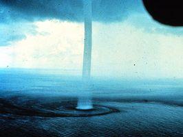 Hva værforhold må være til stede for en tornado?