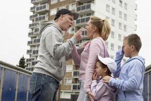 Virkningene av familievold og narkotikamisbruk på barn