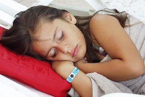Magesmerter hos små barn
