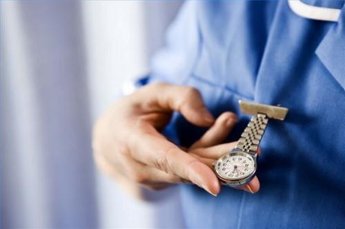 Hvordan sjekke pulsen, Breathing og Airway