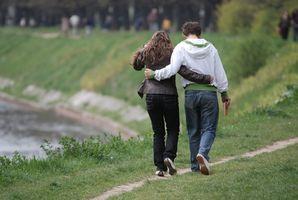 Hvordan lære en tenåring med Bipolar lidelse Hvordan å sosial