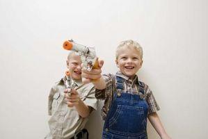 Hva er farene ved Guns i hjem med barn?