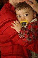 Hva det betyr når en baby har en rennende nese