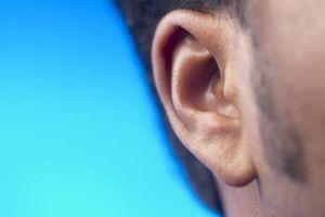 Hva skyldes Utenfor øresmerter?