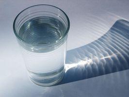 Sår hals Cures med saltvann