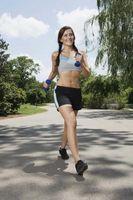 Kan du få en flat mage bare ved å gå og gå på en diett?