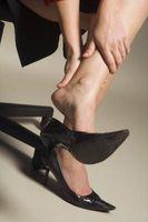 Hvordan behandle et anstrengt Foot Arch