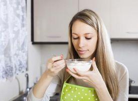 Er det farlig å spise Moldy Yogurt?