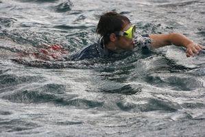 Hvordan bruke isopropylalkohol for svømmer øre