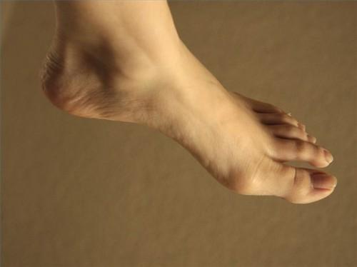 Hvorfor Feet bli nummen?