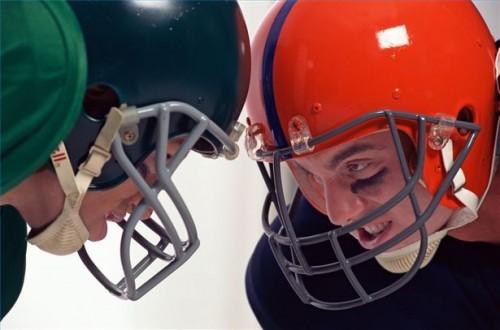 Hvordan Trygg fjerning av en hjelm Etter Head and Neck Trauma
