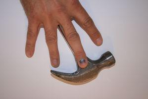 Hvordan behandle en kvestet Nail