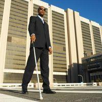 Hvordan lære en blind person å bruke en Cane