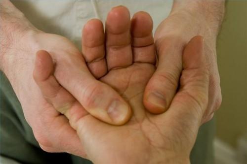 Hvordan finne Pressure Points for Arm og hånd massasje