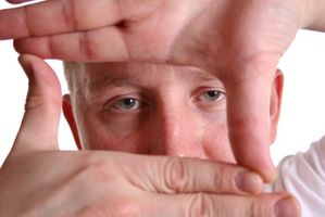 Stivhet og smerter i hender og Pink Eye Symptomer