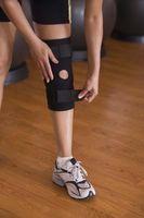 hvordan du fjerner veske fra kneet.