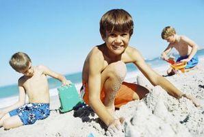 Grovmotoriske aktiviteter i sand og vann