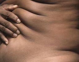 Hvordan kan jeg stramme opp huden på magen min hvis jeg mistet mye vekt?
