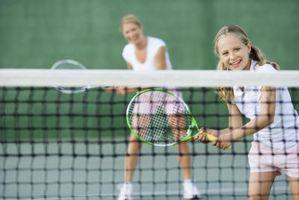 Hvordan kinesio tape for å støtte Tennis Elbow