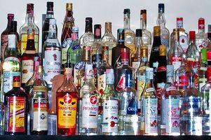 Forskjellen mellom Alkoholisme & Alcohol Abuse