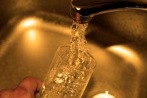 Hvordan å rette Lav pH i drikkevann