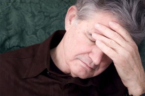 Hvordan hjelpe en slektning med Pseudo-Dementia
