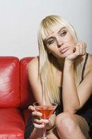 Hva er farene ved å blande Ecstasy med alkohol?