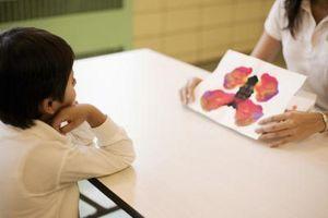 Hva gjør en psykologisk evaluering av barn innebære?