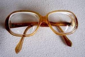 Hvordan fjerne riper på polykarbonat linser