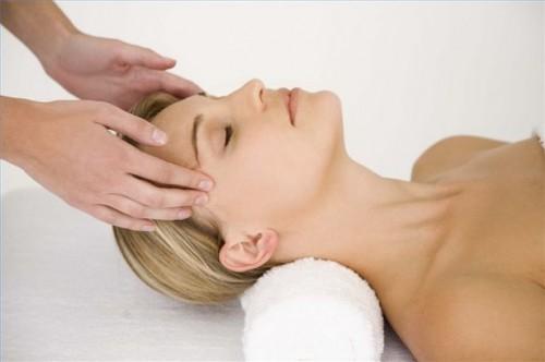 Hvordan behandle en hodepine naturlig