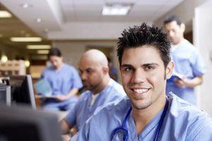 Hvordan få en jobb på et sykehus for en Pre-Medical Student
