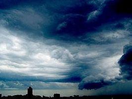 Hvordan kjenne tegn på en Tornado